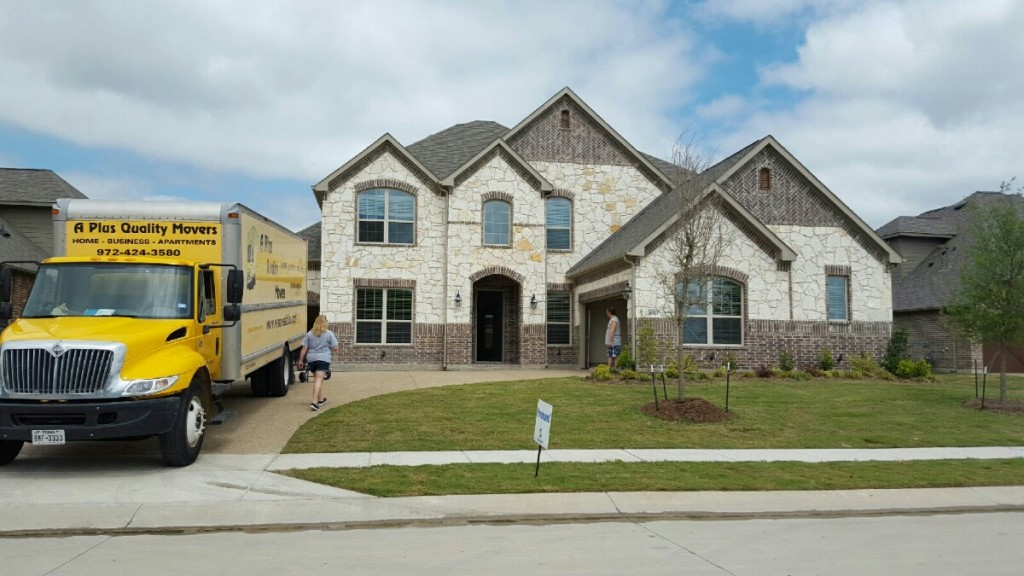 Move day for dallas family